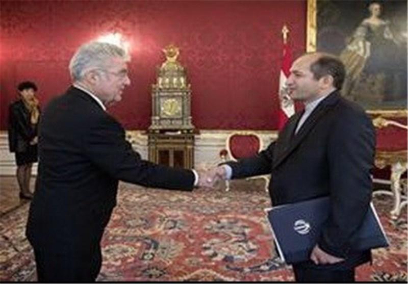 سفیر ایران الاسلامیة یقدم اوراق اعتماده للرئیس النمساوی