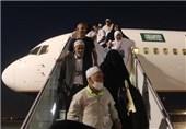 نخستین هواپیمای حجاج استان فارس وارد شیراز شد+فیلم
