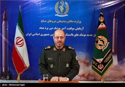 حسین دهقان وزیر دفاع و پشتیبانی نیروهای مسلح در مراسم رونمایی از موشک دوربرد عماد