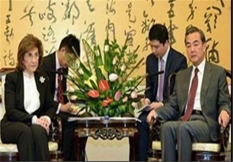 وزیر الخارجیة الصینی یؤکد على دعم السیادة السوریة وحتمیة إیجاد حل سیاسی للأزمة