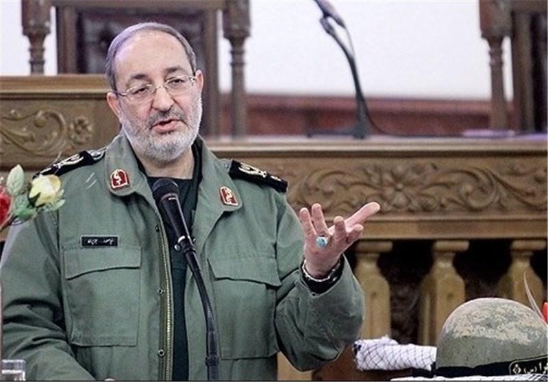 العمید جزائری : امکاناتنا الدفاعیة وقدراتنا الصاروخیة خط أحمر .. ولن نتفاوض بشأنها أبداً