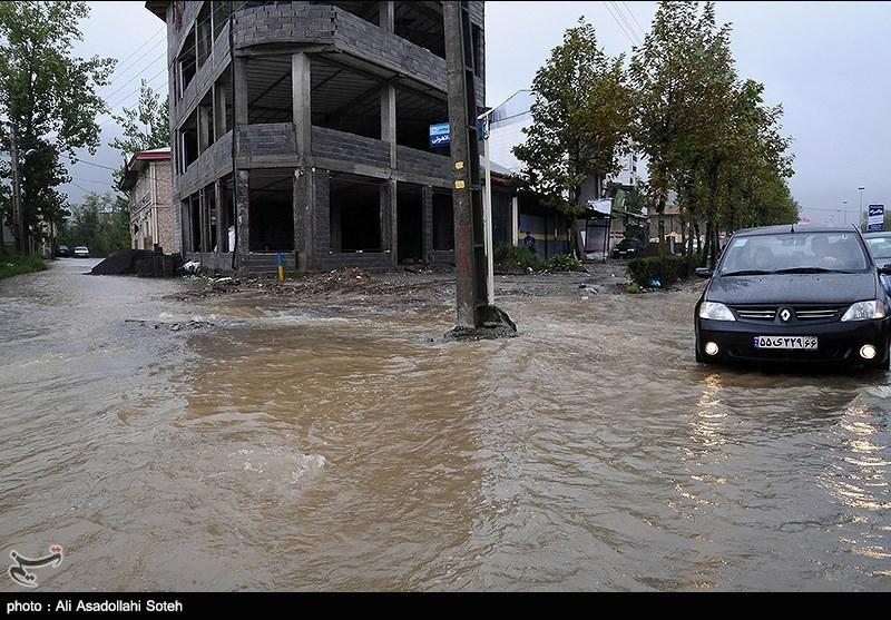 هشدار هلال احمر به سیل و آبگرفتگی در استانهای غربی/ تخلیه اضطراری مناطق در معرض خطر