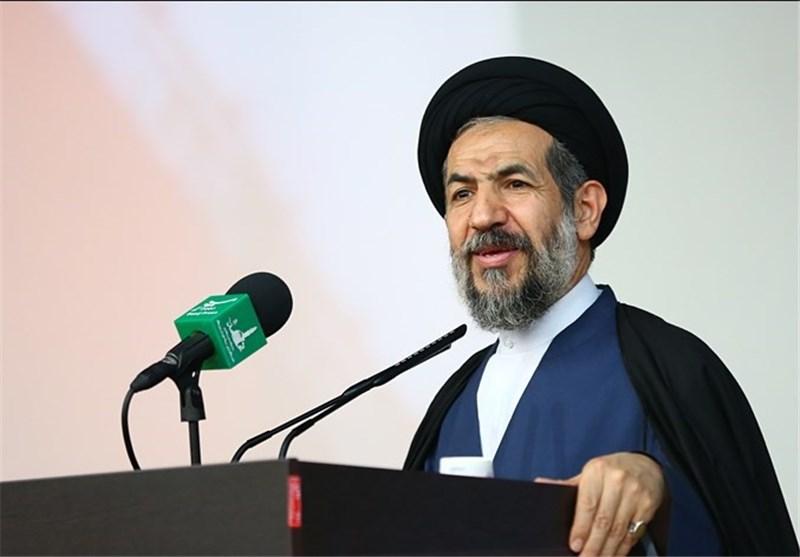 السید أبوترابی فرد: لو کان شعبنا یصغی لتصریحات هذا وذاک لما کان یطلق ثورته الاسلامیة