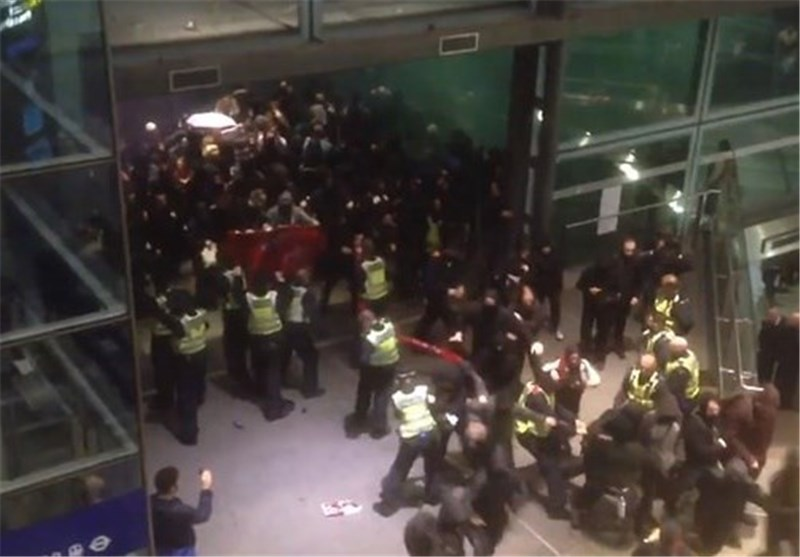 Pro-Refugee Activists Scuffle with Police at London Eurostar Terminal
