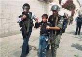 """قوات الاحتلال تعتقل فتى بسبب """"مسطرة""""والاعلان عن هلاک حاخام اثر اصابته فی عملیة طعن"""
