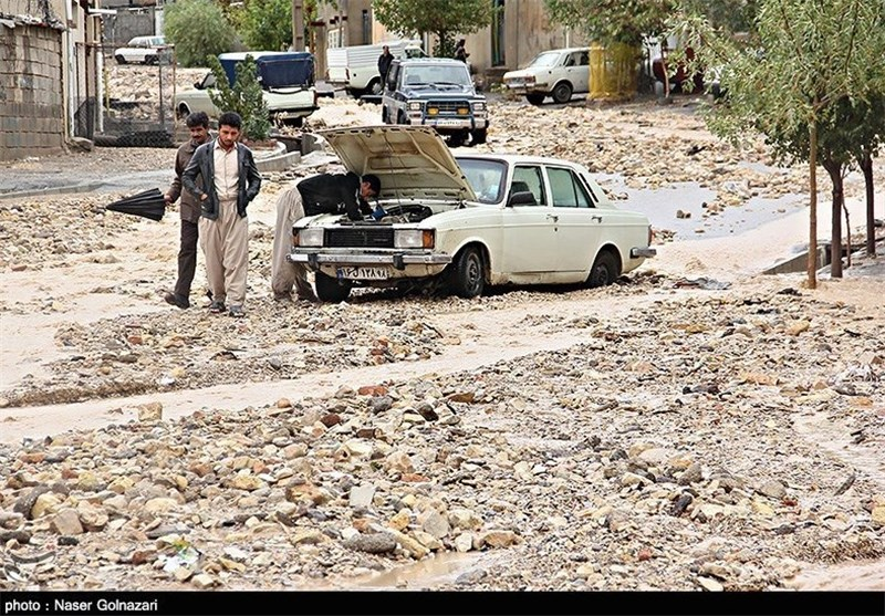 امدادرسانی یگان ویژه ناجا به مردم سیلزده استان ایلام