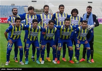 دیدار تیم های فوتبال گسترش فولاد و پدیده - تبریز