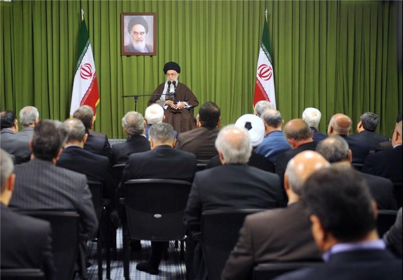 الامام الخامنئی یستقبل وزیر الخارجیة وسفراء ایران الاسلامیة فی الخارج