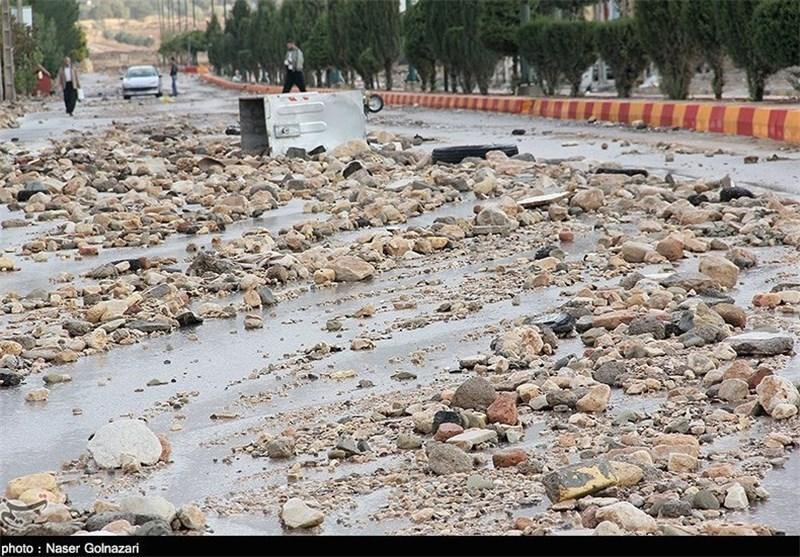 امدادرسانی هلالاحمر اصفهان به سیلزدگان خور و بیابانک