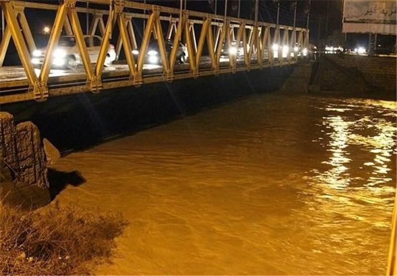 بارندگی به تاسیسات شهری بوشهر و گناوه خسارت زد