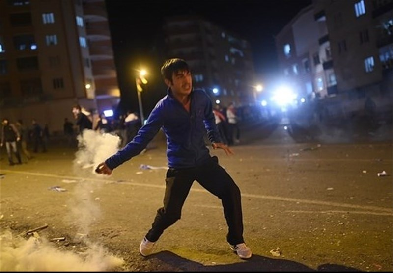درگیری پلیس ترکیه با معترضین انتخابات در دیاربکر
