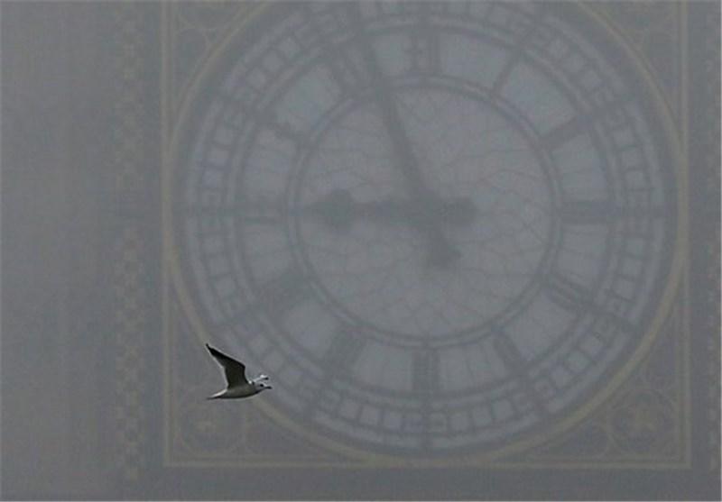 Fog Causes Flight Cancelations in Britain