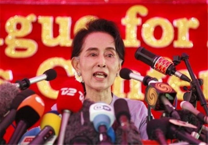Myanmar President Congratulates Suu Kyi, Vows Stable Transition