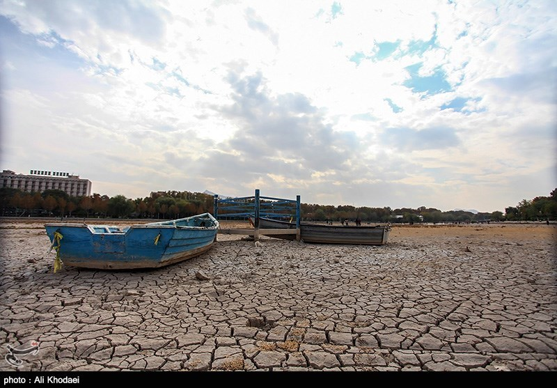 خشکی زاینده رود تا اطلاع ثانوی/ آب به روی زاینده رود باز شد اما به اصفهان نمی رسد