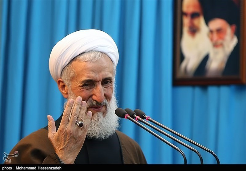 Iranian Cleric Deplores US-Led Attack on Syria as Violation of Int'l Law