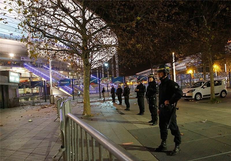 پلیس فرانسه در اطراف ورزشگاه استاده فرانس