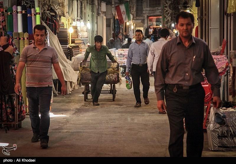 بازار اصفهان در آرامش است؛ مردم و بازاریان مشغول خرید و فروش هستند