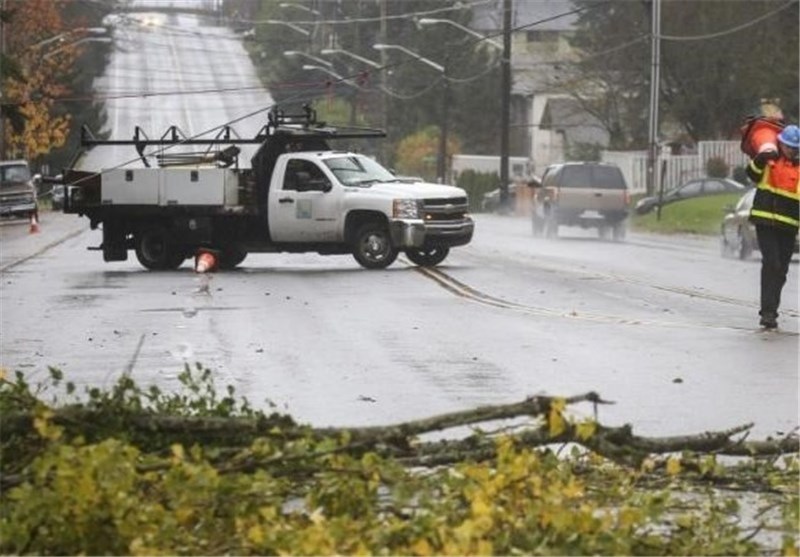 Two Killed, 360,000 without Power in Washington State Storm