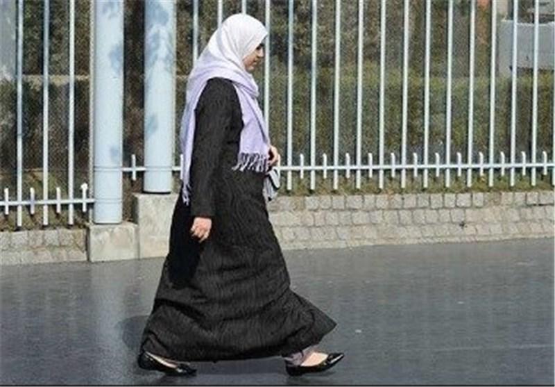 اعتداء على مسلمة محجبة فی فرنسا من طرف مجهولین