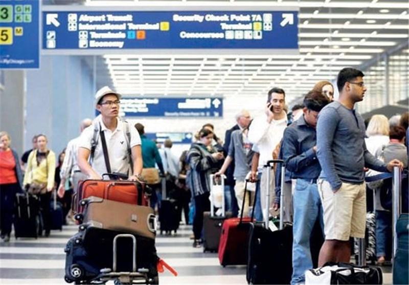 اعتقال کل اللاجئین الذین وصلوا إلى المطارات الأمریکیة بعد یوم من توقیع ترامب