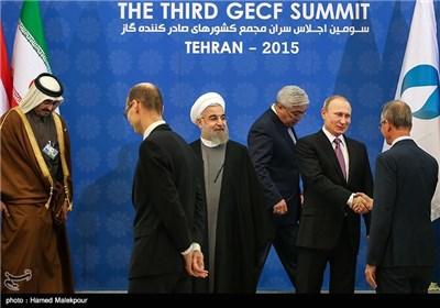 حجتالاسلام حسن روحانی و ولادیمیر پوتین رؤسای جمهور ایران و روسیه در سومین اجلاس سران مجمع کشورهای صادرکننده گاز (GECF)
