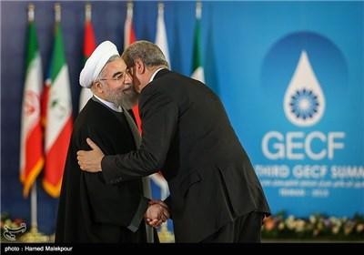 استقبال حجتالاسلام حسن روحانی رئیس جمهور از عبدالمالک سلال نخست وزیر الجزایر - سومین اجلاس سران مجمع کشورهای صادرکننده گاز (GECF)
