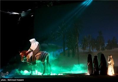 اجرای نمایش النجم ثاقب در مسیر پیاده روی اربعین