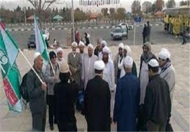 انضمام أول قافلة من المسلمین السنة الایرانیین الی زوار اربعینیة الامام الحسین (ع)