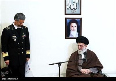 قائد الثورة الاسلامیة یستقبل قادة وکوادر سلاح البحر
