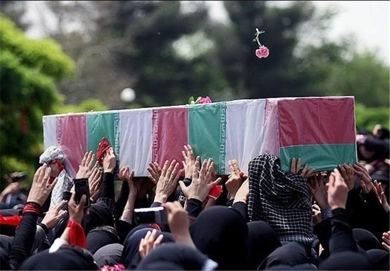 کرمان| آئین تشییع پیکر شهید «اللهدادی» در عنبرآباد برگزار شد