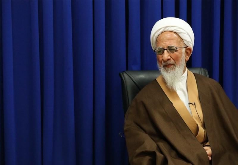 انتخابات ایران| آیتالله جوادی آملی رأی خود را به صندوق انداخت