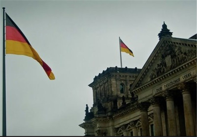 German Parliament Votes to Send Military Assistance to Fight ISIL