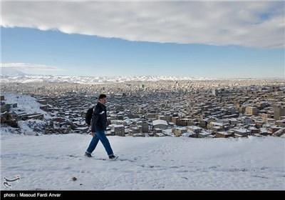 نزول الثلج فی تبریز