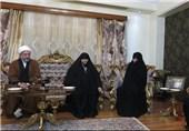 حضور آیتالله اراکی در منزل شهید رکنآبادی