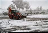 مسدود شدن راه ارتباطی 25 روستای ورزقان بر اثر بارش سنگین برف