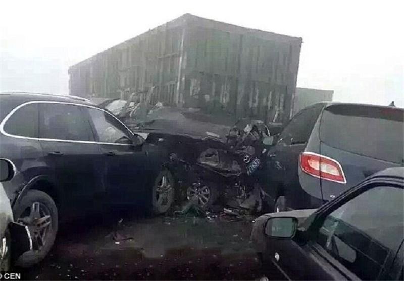 ۱۵ خودرو در مسیر جاده مشهد به چناران با یکدیگر برخورد کردند