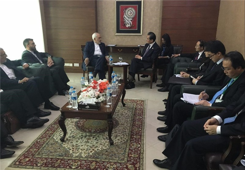 Zarif, Wang Yi Discuss Future of Tehran, Beijing Ties