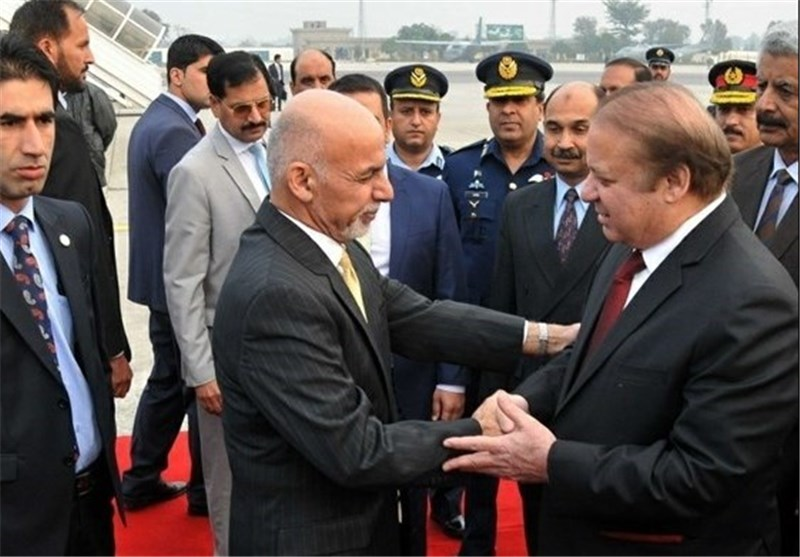 Afghan, Pakistani Leaders Hold Firm Positions at Summit
