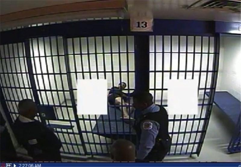 مرگ یک زندانی سیاهپوست به دنبال حمله 6 افسر آمریکا با سلاح شوکدهنده+فیلم