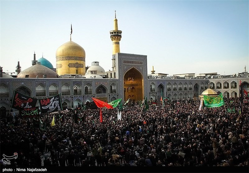 حرم امام رضا علیہ السلام میں لاکھوں عزاداروں کا اجتماع