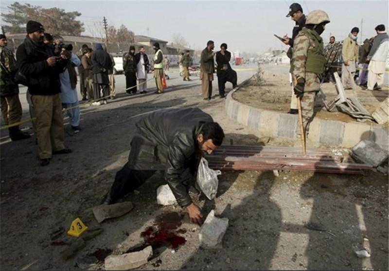 Bomb Kills Soldier, Wounds Four in Pakistan: Police