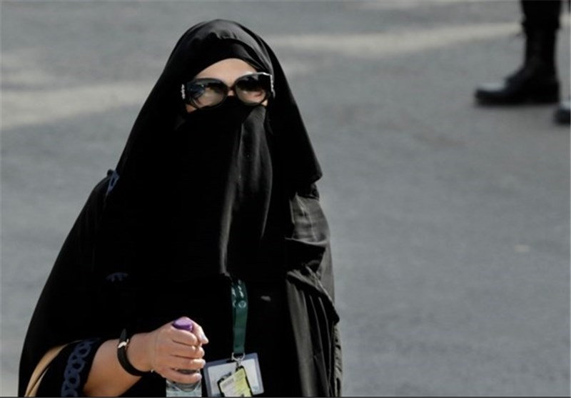 Saudi Holds First Ever Election Open to Women