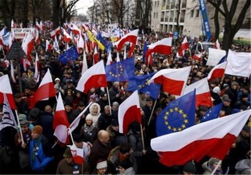 Thousands March against Polish Government as Constitutional Spat Drags On