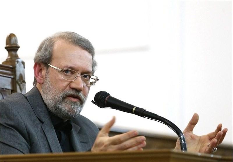 لاریجانی:رفتار غربیها و برخی از کشورهای منطقه در قبال تروریستها صادقانه نیست
