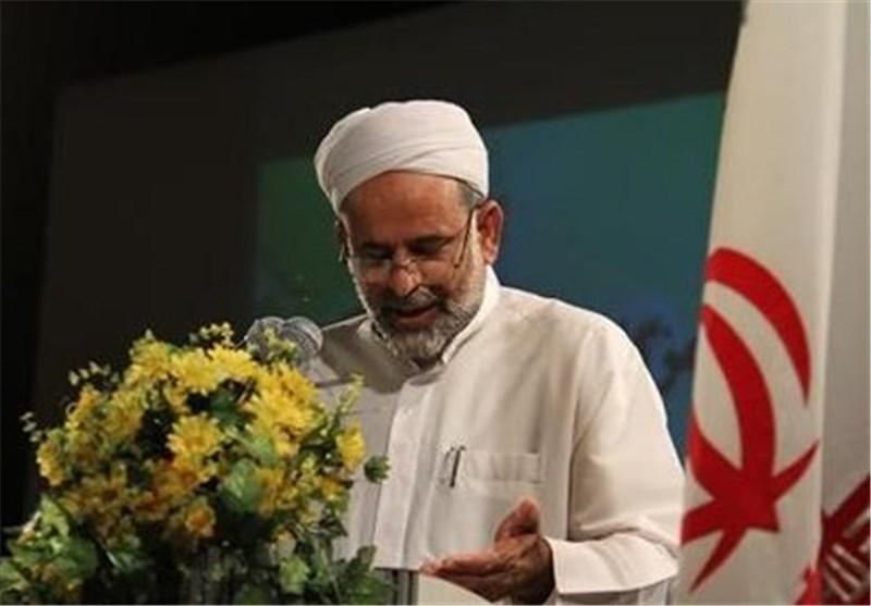 اهلسنت در ایران با روحیه وحدتطلبی از نظام و انقلاب حمایت میکند