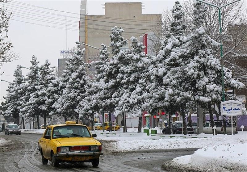 آماده باش دستگاههای اجرایی آذربایجانغربی برای مقابله با برف و سرما