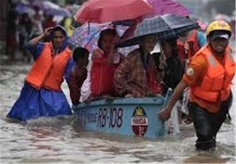 725,000 People Evacuated as Typhoon Slams Into Philippines