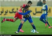 دیدار تیمهای فوتبال پرسپولیس و گسترش فولاد تبریز