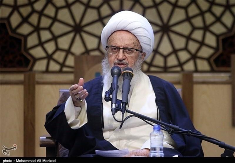 المرجع مکارم شیرازی: کذب أمریکا واوروبا فی الانتخابات أمر ممکن نظرا لنظامهما المادی