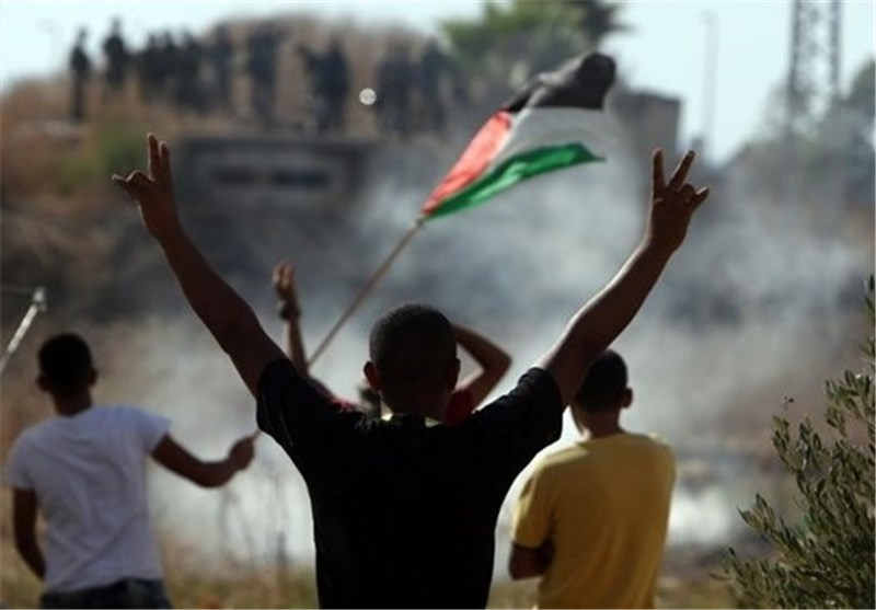 400 ألف قطعة سلاح وزعت بین الصهاینة خلال الأشهر الماضیة خوفا من الانتفاضة ..